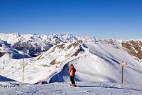France, Hautes Alpes, Vars, track skiing