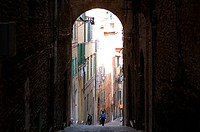 Italy, Tuscany, Siena, historic center listed as World Heritage by UNESCO, narrow street