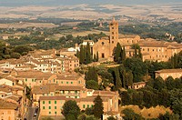 Italy, Tuscany, Siena, historic center listed as World Heritage by UNESCO, the San Francesco church in the background