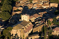 France, Vaucluse, Luberon, Cucuron, church aerial view