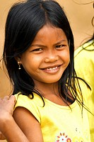 Cambodia, Banteay Mean Chey Province, Banteay Chhmar, portrait of a young girl
