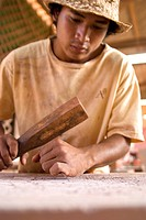 Cambodia, province of Siem Reap, Siem Reap, stone carvers, traditional work