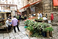 Italy, Sicily, Palermo, market on Piazza Ballaro