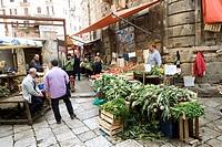 Italy, Sicily, Palermo, market on Piazza Ballaro