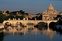 Italy, Lazio, Rome, the bridge Sant´ Angelo and Saint Peter´s basilica