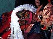 India, Jammu and Kashmir State, Ladakh Himalaya, Lhamo, shaman possessed by a protective local god Lha, sucking treament