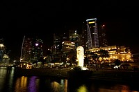 Night view of The Merlion and Shenton Way, Singapore