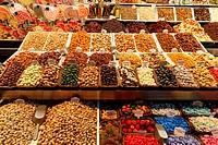 Barcelona, market hall La Boqueria, Pralines, Sweets, Nuts