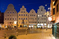 Moritzplatz at night, market square in the old town of Augsburg, Augsburg, Bavaria, Germany, Europe