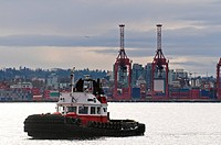 A tugboat in Vancouver BC´s harbour.