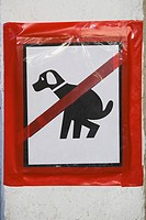 Close_up of a No Dogs Allowed sign, San Francisco, California, USA