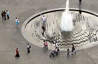 Fountain in the Lustgarten ('Pleasure Garden') by Berliner Dom, Berlin, Germany