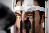 man having his eye´s tested