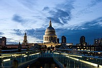 Millennium bridge and st pauls cathedral