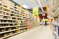 Supermarket aisle, defocused (thumbnail)