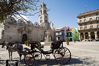 Plaza San Francisco and Basilica Menor de San Francisco de Asis, Old Havana, Cuba, West Indies, Central America