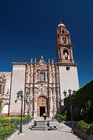 The 18th century churrigueresque facade of the Temple de San Francisco, San Miguel de Allende, Guanajuato, Mexico, North America