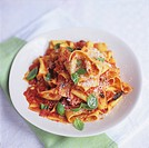 Pappardelle with tomato and pepper sauce