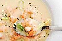 Prawn soup with leeks and dill detail