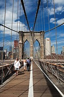 Walking on Brooklyn Bridge, New York