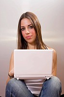 Young woman in front of a laptop
