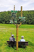 Hikers in the Oberes Vessertal valley, Biosphaerenreservat Vessertal-Thueringer Wald, biosphere reserve Vesser valley-Thuringian Forest, Thuringia, Ge...