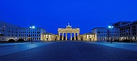 Pariser Platz Square and the Brandenburg Gate in the early morning, Berlin, Germany, Europe