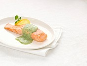 Salmon fillet with Watercress sauce