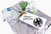Tax giveaway, symbolic picture