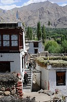 View into the village of Phiyang, the red colour should frighten ghosts, animism, Gesit Tsan, Ladakh, India, Himalayas, Asia