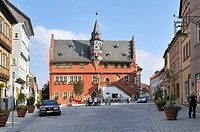 New Town Hall, built in 1515, Ochsenfurt, Franconia, Bavaria, Germany