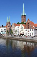 Historic centre with Marienkirche Church and St Petri tower, Luebeck, Schleswig-Holstein, Germany