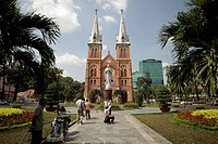 Notre_Dame Cathedral, cycle rickshaw, in Ho Chi Minh City, Saigon, Vietnam, Asia