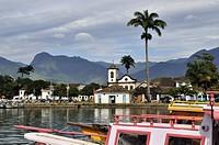 Santa Rita church, fishing boats, Paraty, Parati, Rio de Janeiro, Brazil, South America