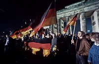 Fall of the Berlin Wall, German reunification, cheering people in front of the Brandenburg Gate, Berlin, Germany, Europe