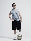 Amputee basketball player (thumbnail)