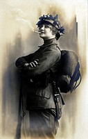 Historic photograph, female soldier