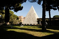 Rome  Italy  Piramide di Cestio  The white memorial pyramid of Caius Cestius set in the Aurelian Wall