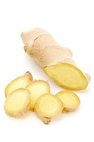 Ginger rhizome (Zingiberaceae), whole and sliced