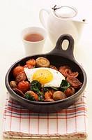 Pan_cooked chorizo, mushrooms, tomatoes and fried egg