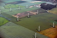 wind farm on farmland, Germany, Saxony_Anhalt, Salzwedel