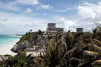 El Castillo, Maya Pyramid in Tulum, Tulum archaelogical site, Quintana Roo, Yucatan, Mexico
