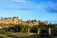 France, Languedoc, Carcassonne, Castle walls (thumbnail)