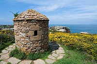 Custom´s sentry box at Ploumanac´h, Brittany, France