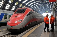 Eurostar Italia Frecciarossa Italian high-speed train, Ferrovie dello Stato, Trenitalia, Milano Centrale railway station, Milan, Lombardy, Italy