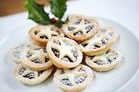 Mince pies close up (thumbnail)