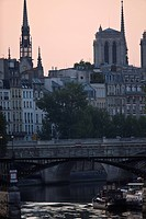River Seine and Notre Dame, Paris, France, Europe