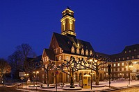 D-Bottrop, Ruhr area, North Rhine-Westphalia, Ernst Wilczok Square, town hall, wintry, snow, evening mood, illumination