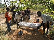 Burial of a child who died of malnutrition in Angola  Feeding centres and other humanitarian aid were organised in Angola after widescale malnutrition...