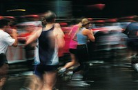 People running a marathon (thumbnail)